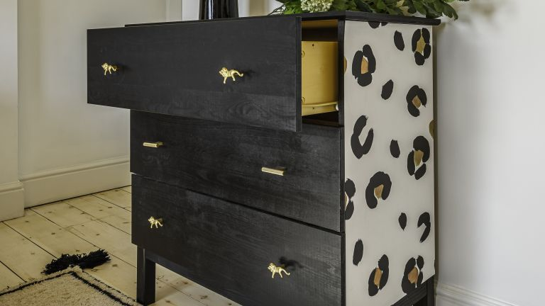 Upcycle ideas: a chest of drawers with animal print design