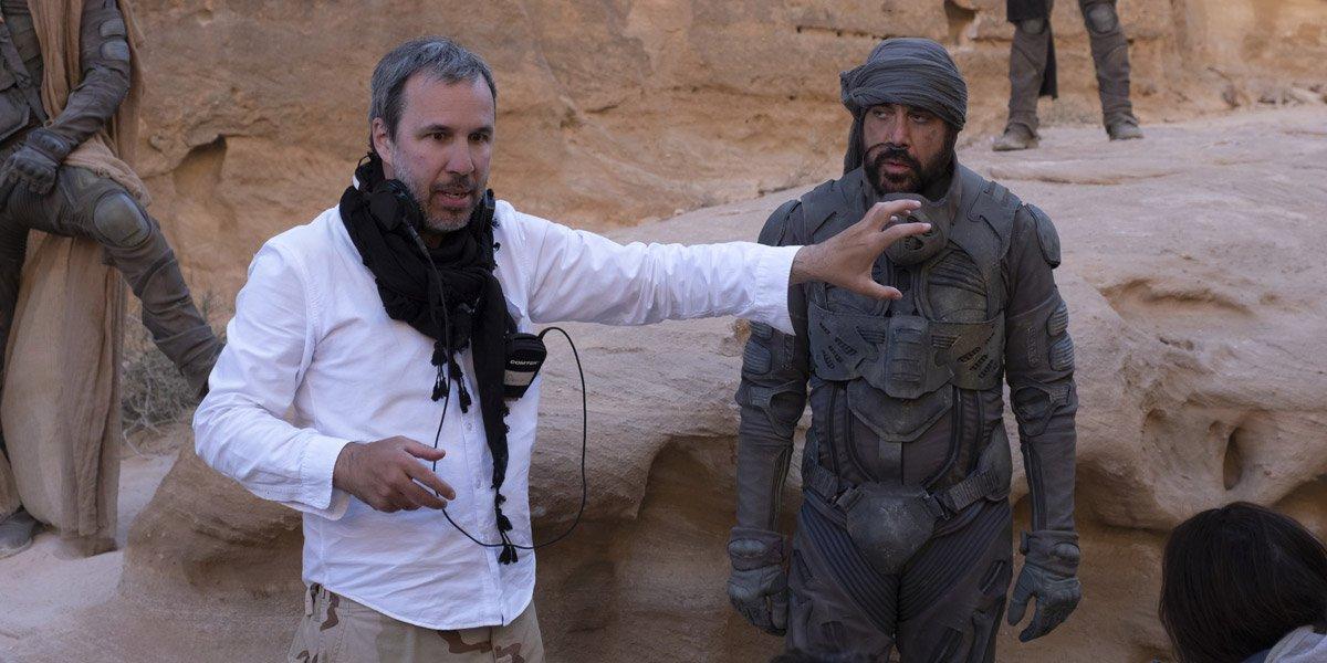 Denis Villeneuve talking to Javier Bardem on the Dune set
