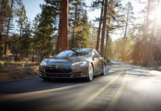 How to Use Tesla's Autopilot (and How Not to)   Tom's Guide