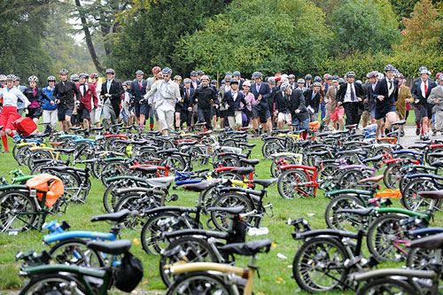 Brompton World Champs start, Bike Blenheim Palace 2010
