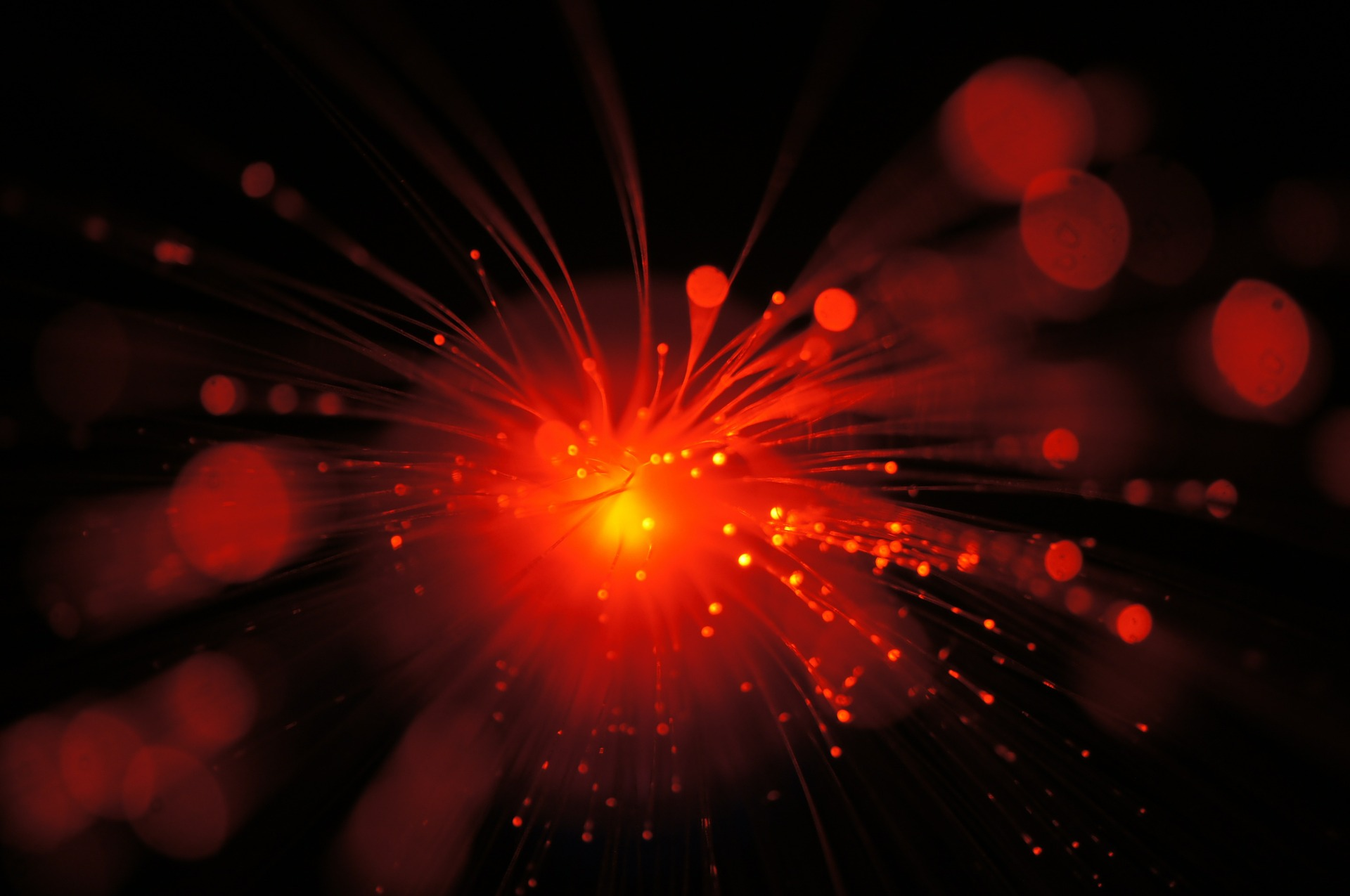 7e89a349 Quantum Weirdness May Seem to Outrun Light — Here's Why It Can't | Space