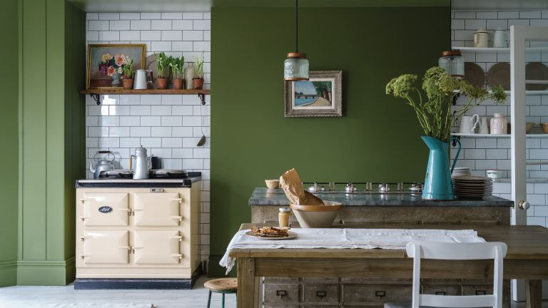 green painted kitchen Bancha Farrow & Ball