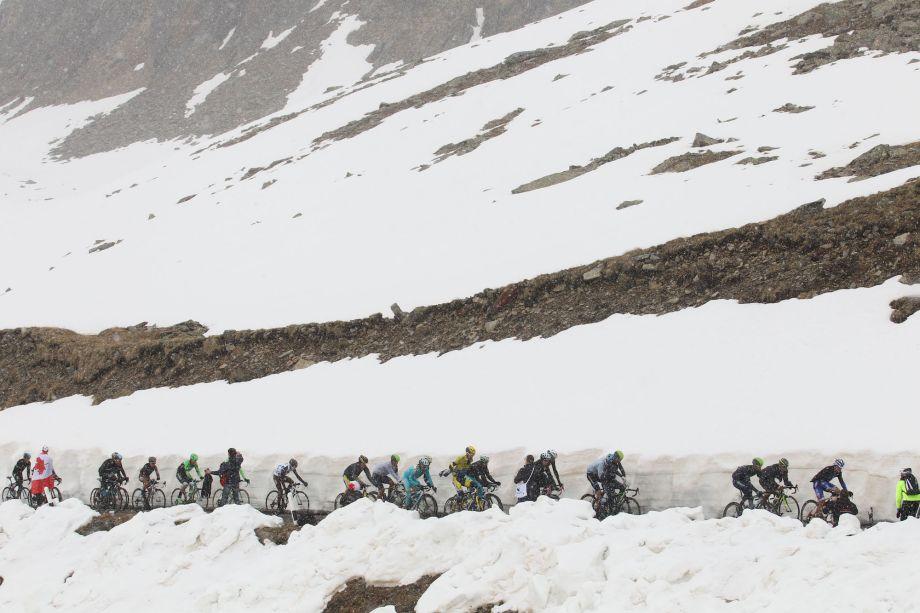 Giro d'Italia director confident Gavia stage will go ahead as planned