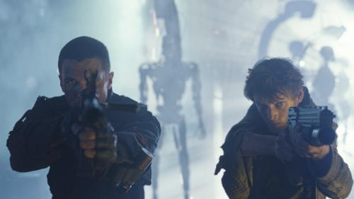 Christian Bale's John Connor & Anton Yelchin's Kyle Reese stand firm against their robot adversaries