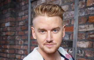 Coronation Street: Sue Cleaver's ex husband guest stars as Weatherfield cop who wrongly arrested Gary Windass for murder