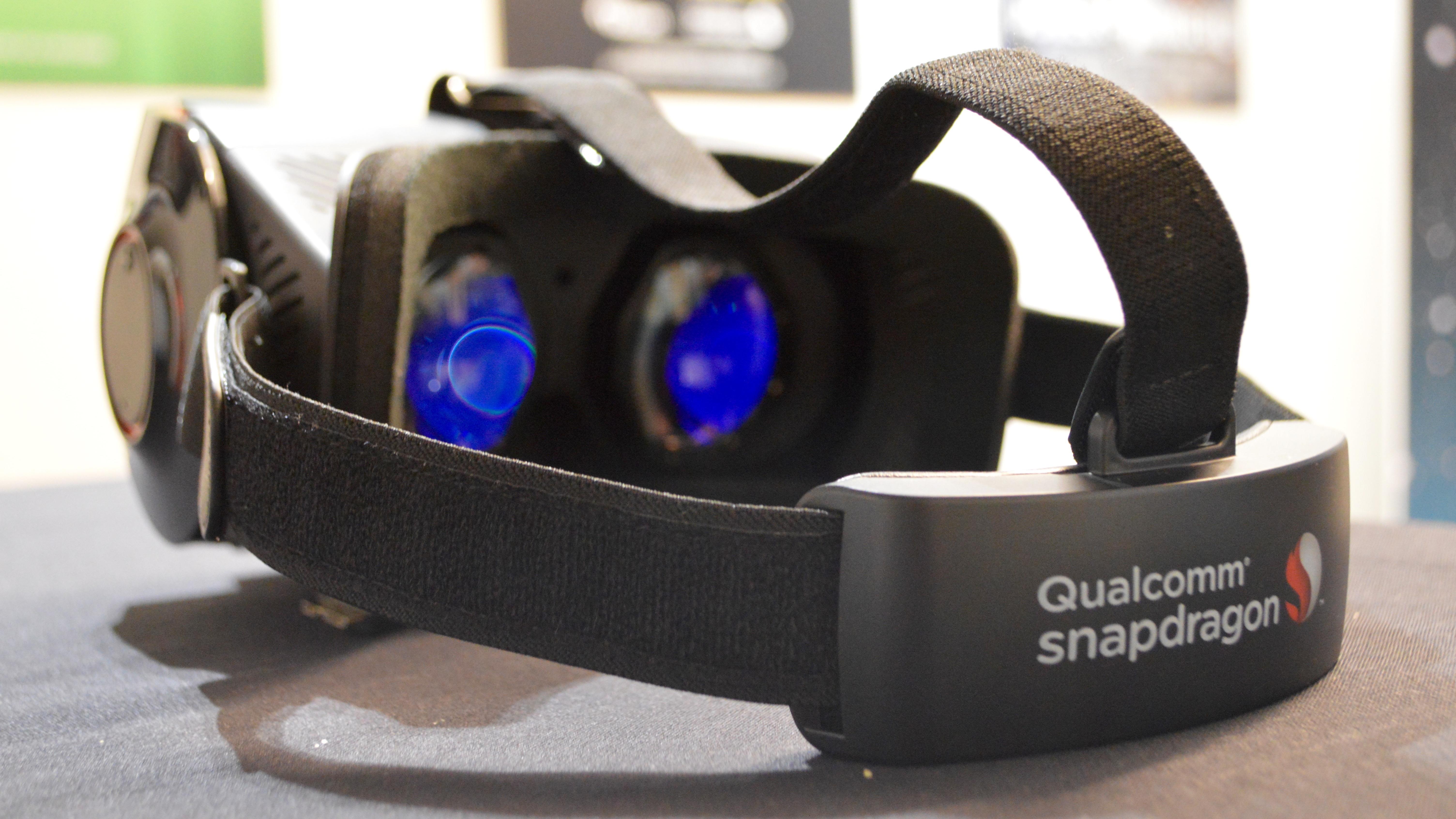 a473680c888f First look  Qualcomm Snapdragon 835 VR Developer Kit headset