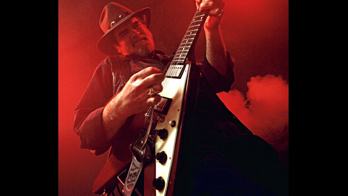 Blues guitar great Lonnie Mack dies aged 74