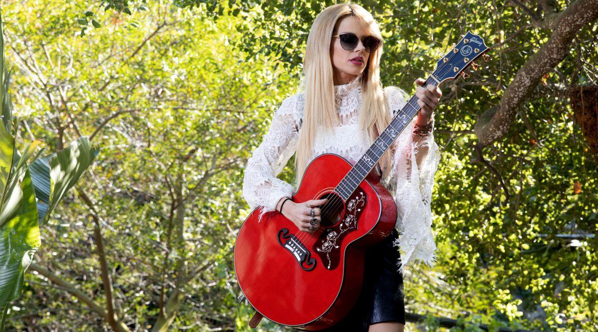 Gibson Unveils New Orianthi Signature SJ-200 Acoustic Guitar