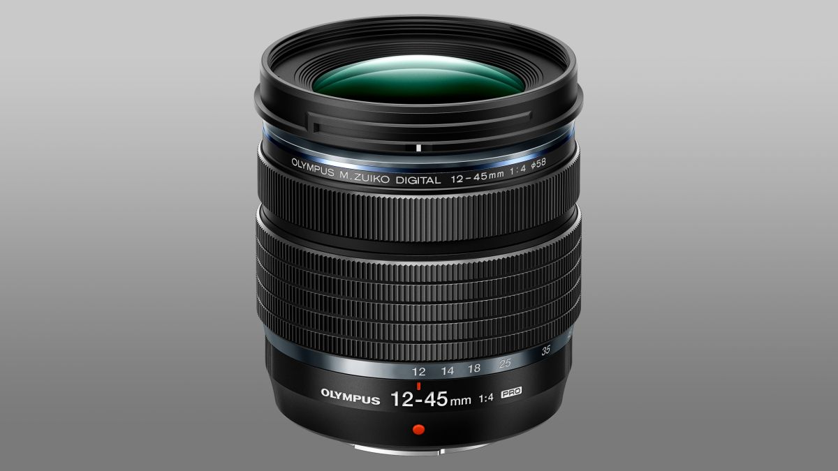 Olympus 12-45mm f/4 Pro lens is as light as an apple!