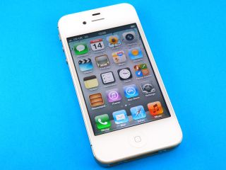 iPhone 4S cleared for use in China