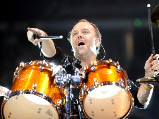Lars Ulrich pays his respects to the late Cliff Burton