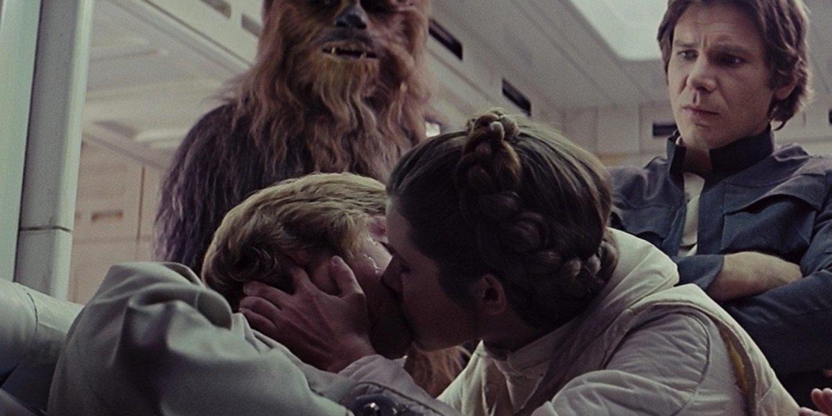 Leia kissing Luke in Empire