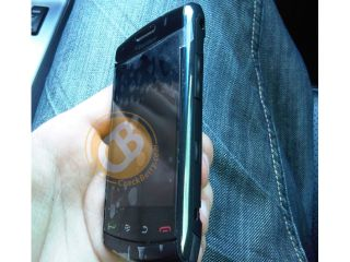 BlackBerry Storm 2 gets its first unofficial outing