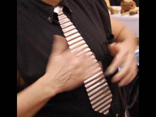 Washboard Tie: no starch required...
