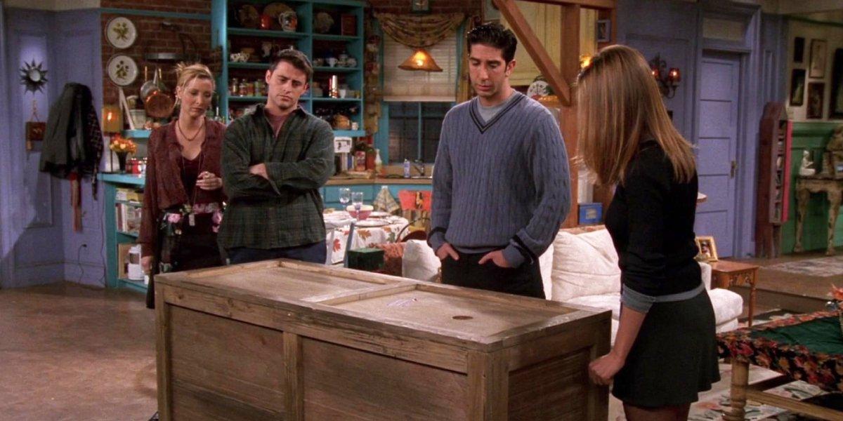 Lisa Kudrow, Matt LeBlanc, David Schwimmer, and Jennifer Aniston on Friends
