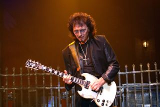 A long list of musicians, including Tony Iommi, have all chosen the Gibson SG as one of their instruments.