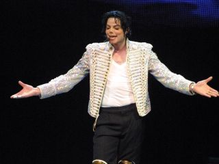 Michael Jackson on stage in 2002