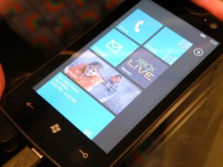 Windows Mobile 7 banking on Xbox love
