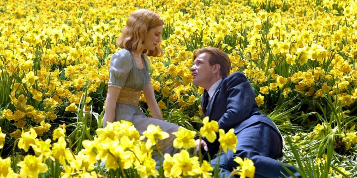 Alison Lohman and Ewan McGregor in Big Fish