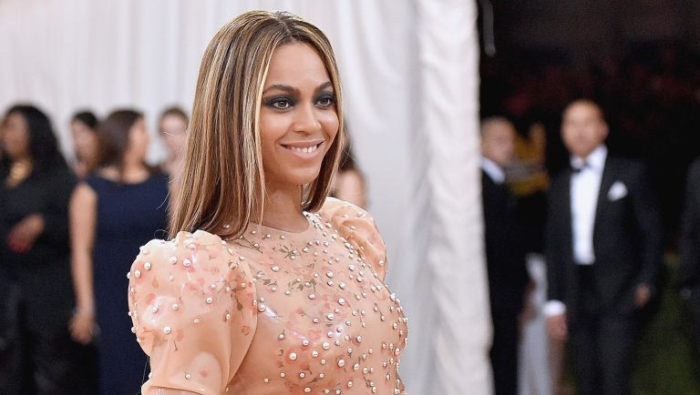 """Beyonce Knowles attends the """"Manus x Machina: Fashion In An Age Of Technology"""" Costume Institute Gala at Metropolitan Museum of Art on May 2, 2016 in New York City."""
