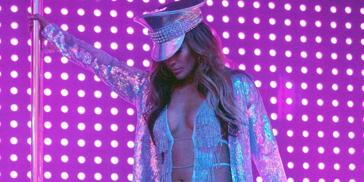 Jennifer Lopez pole dancing in Hustlers