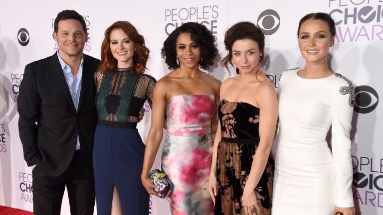 Actors Justin Chambers, Sarah Drew, Kelly McCreary, Caterina Scorsone and Camilla Luddington attend the People's Choice Awards 2016 at Microsoft Theater on January 6, 2016 in Los Angeles, California.