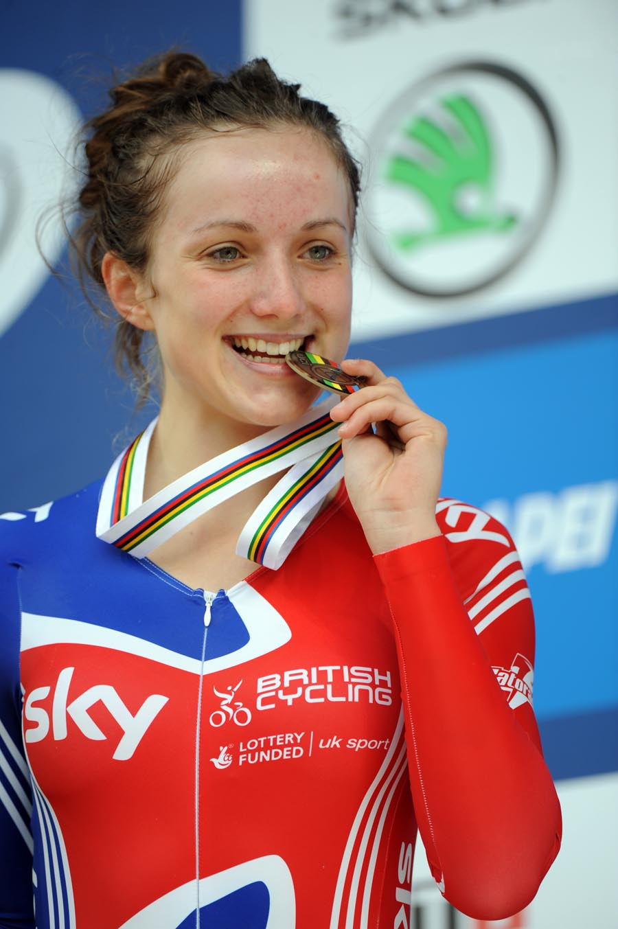 Elinor Barker and silver medal, Junior women TT, Road World Championships 2011