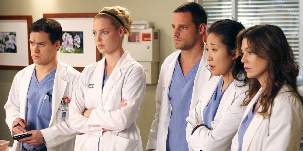 T.R. Knight, Katherine Heigl, Justin Chambers, Sandra Oh, and Ellen Pompeo in Grey's Anatomy