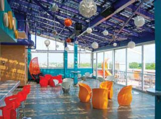DJ-friendly Sound System Enhances a Rooftop Bar's Atmosphere Outputs