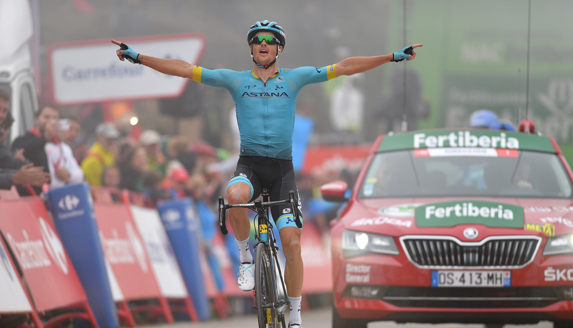 Jakob Fuglsang takes Vuelta a España stage 16 as Tadej Pogačar gains on Valverde