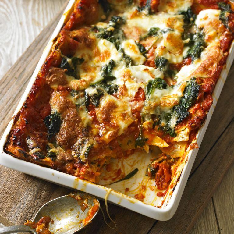 Tomato, spinach and three cheese lasagne recipe