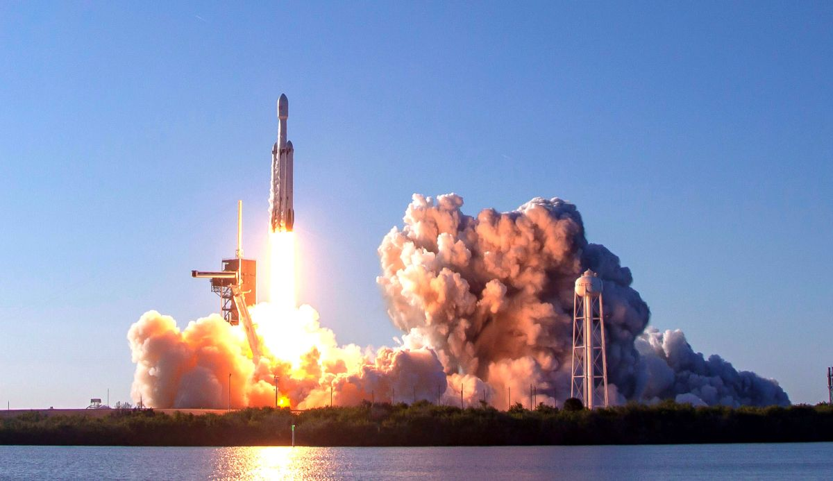 SpaceX Falcon Heavy to Launch Cutting-Edge NASA Space Tech ...