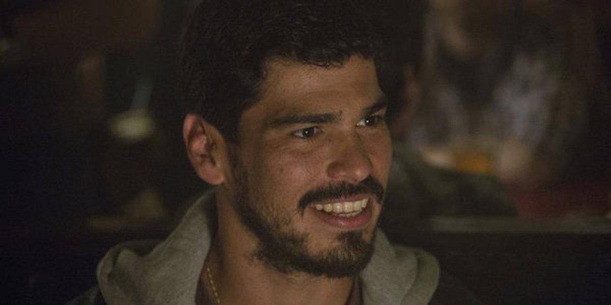 Raul Castillo - Looking