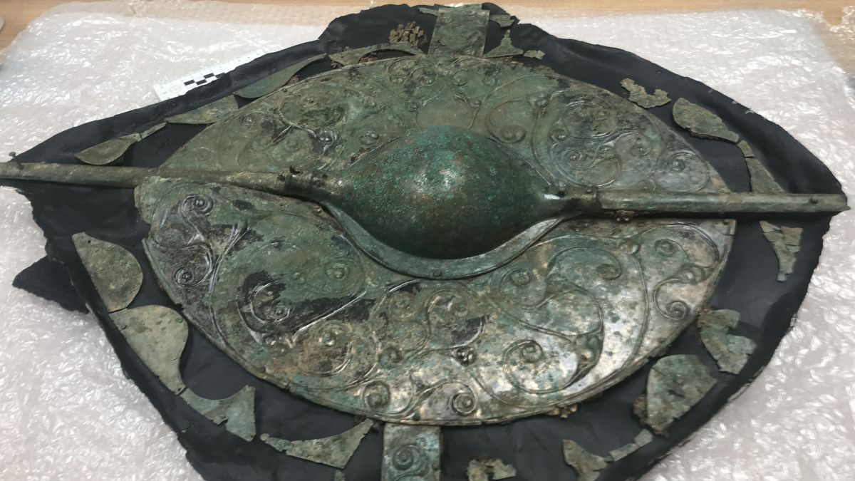 Stunning Warrior Grave — Complete with Chariot, Horses — Uncovered in England