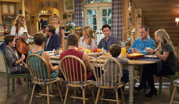 the whole family eats breakfast on fuller house