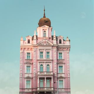 Get inspired to shoot like filmmaker Wes Anderson