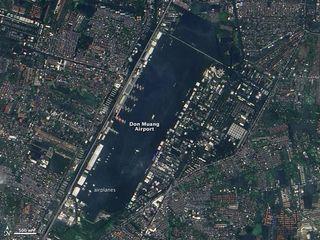 bangkok-flooding-111102-02