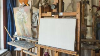 best canvas for oils - canvas on an easel
