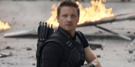 Hawkeye's Jeremy Renner Reveals Why Hailee Steinfeld's Kate Bishop Is Clint's 'Biggest Problem'