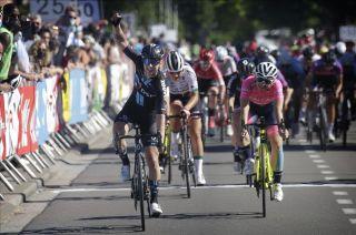 Lorena Wiebes wins Flanders Diamond Tour