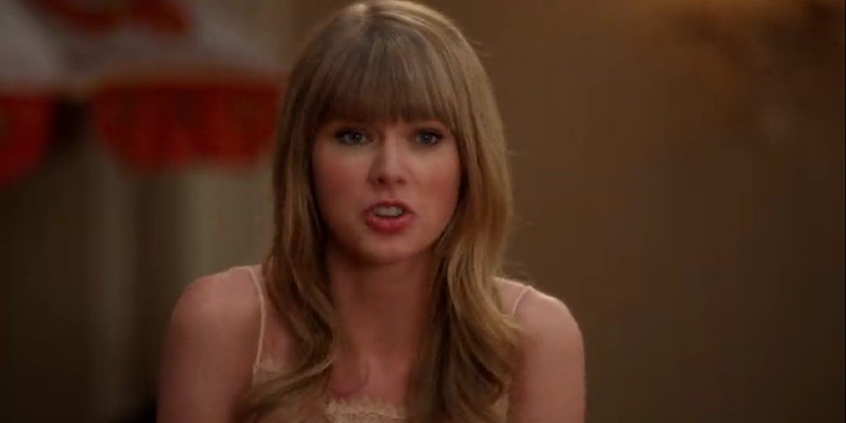 Taylor Swift as Elaine in New Girl