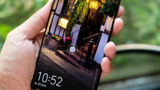 Android bloccato sugli smartphone Huawei, in pausa.