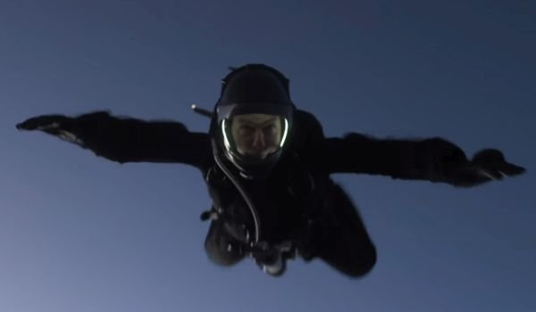 Tom Cruise HALO Jump in Mission Impossible - Fallout