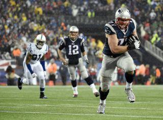 AFC Championship Patriots/Colts, deflategate, football