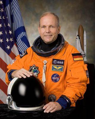 ESA Astronaut Biography: Hans Schlegel