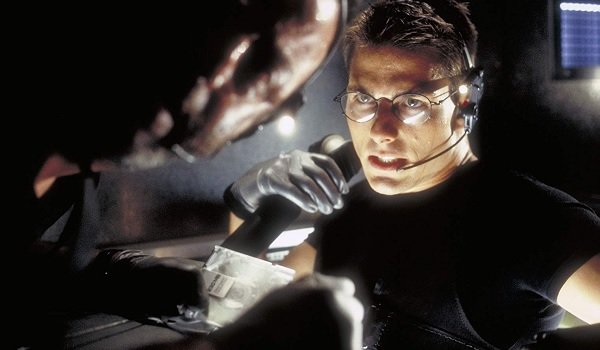 Mission:Impossible Jean Reno Tom Cruise Krieger and Ethan talking in the vents
