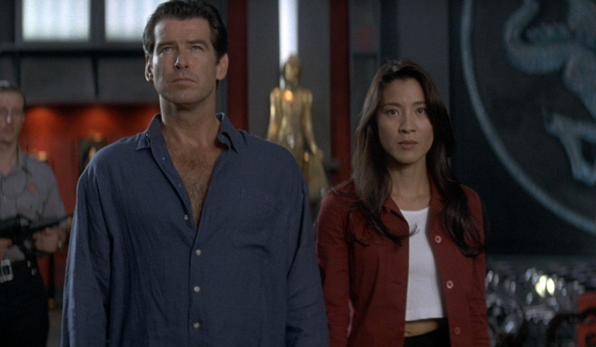 Tomorrow Never Dies Pierce Brosnan and Michelle Yeoh held captive