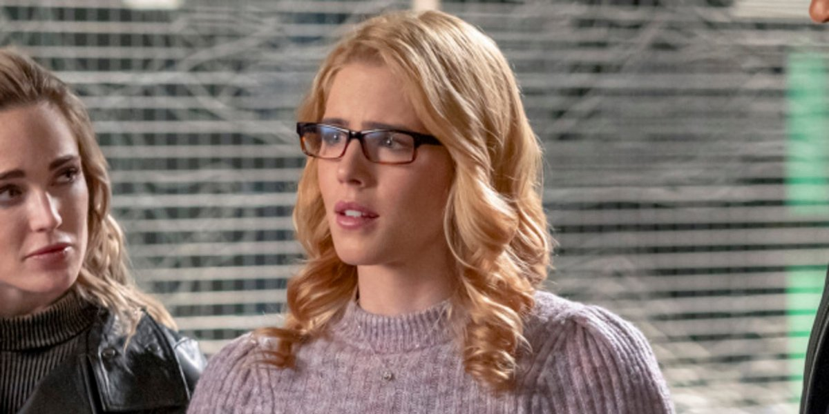 arrow series finale emily bett rickards felicity smoak