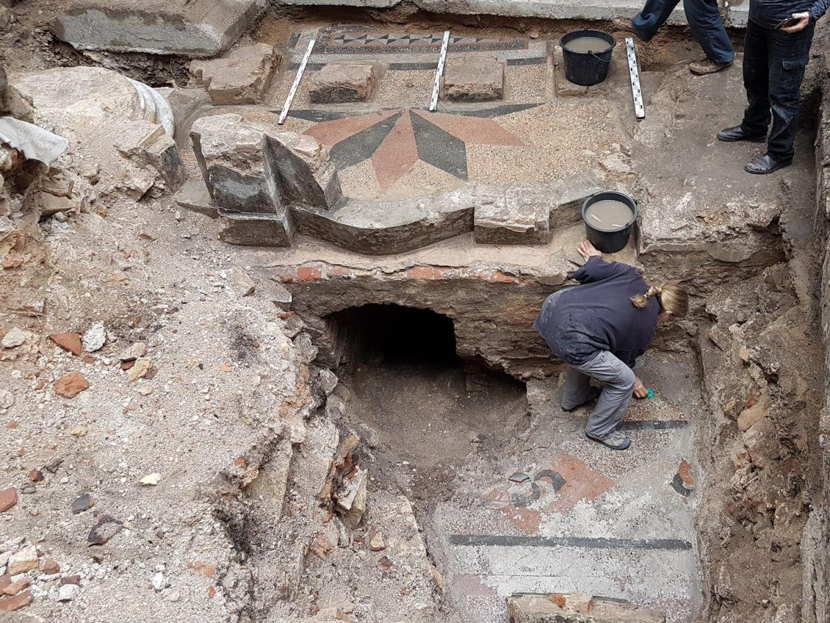 Great Synagogue of Vilna, Ravaged by Foes, Yields Treasures and a Priceless Hebrew Inscription