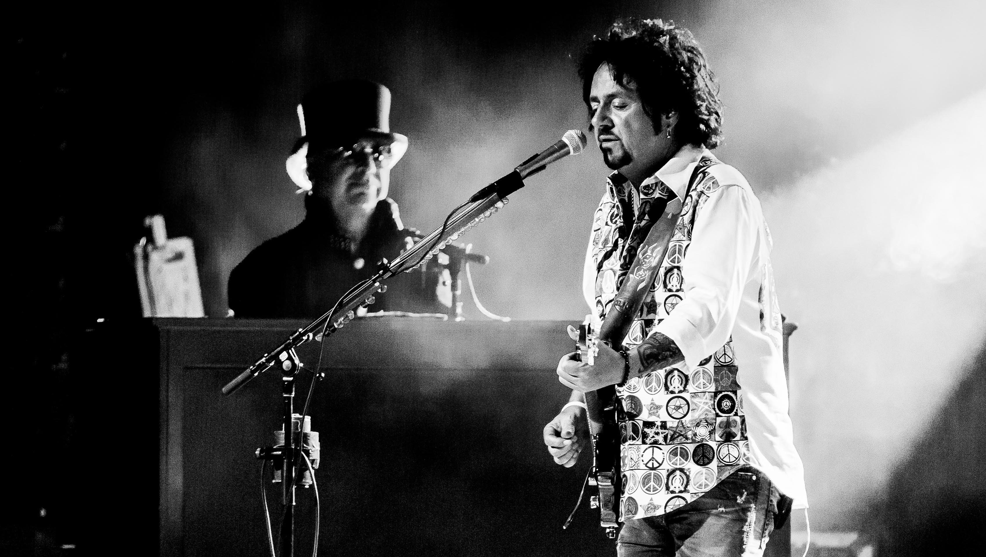 Steve Lukather Discusses His New Autobiography, 'The Gospel